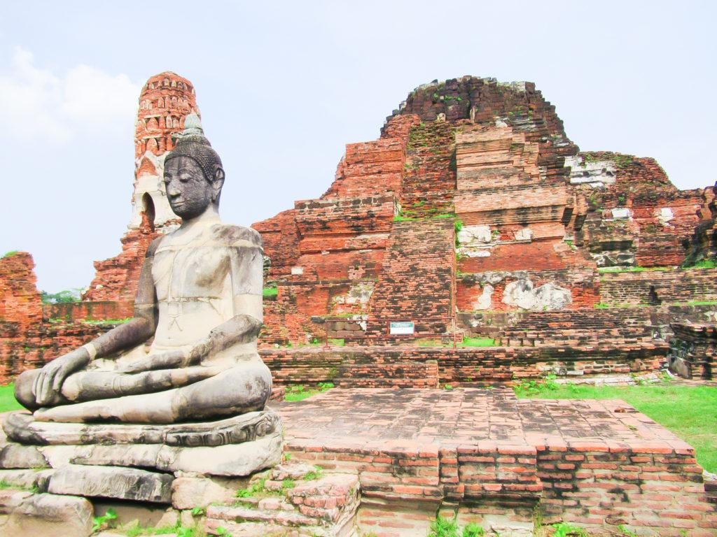 遺跡と仏像