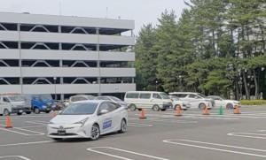 管制に指定された駐車区画前で駐車開始