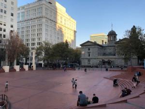 パイオニア広場
