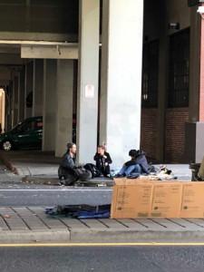 増大するホームレス